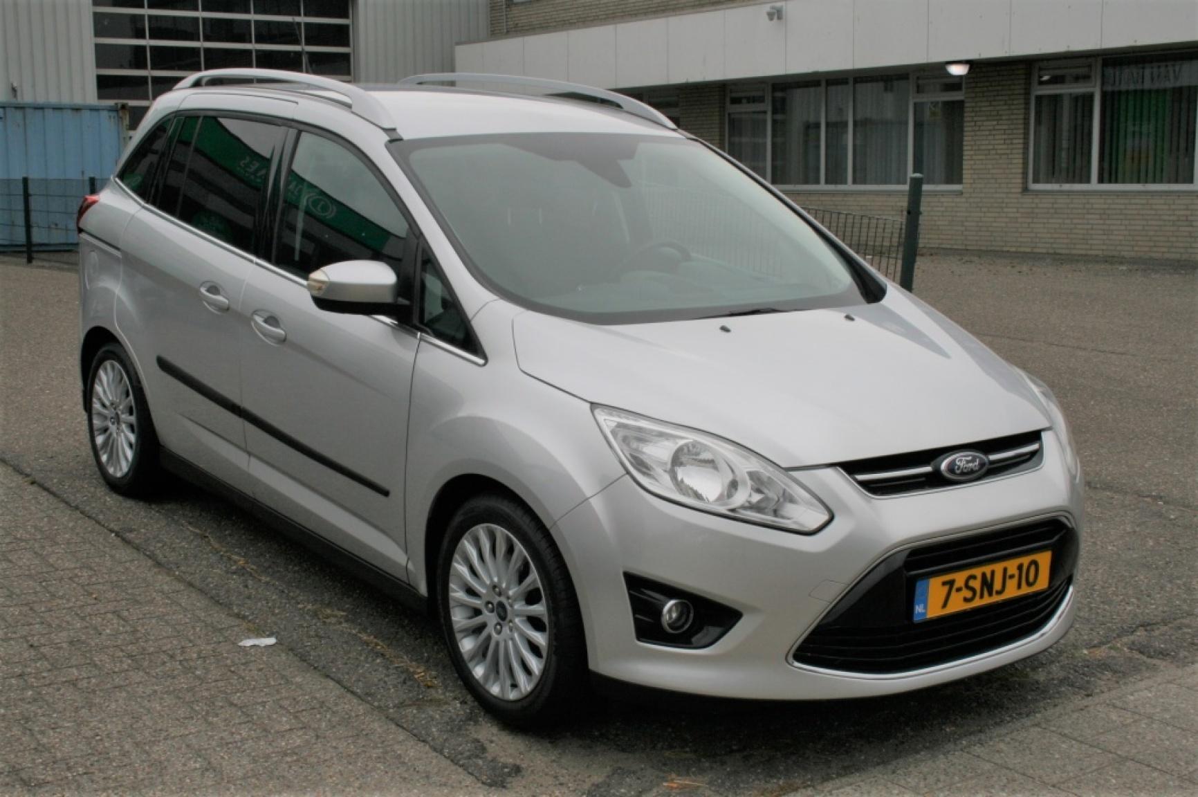 Ford-Grand C-Max-4