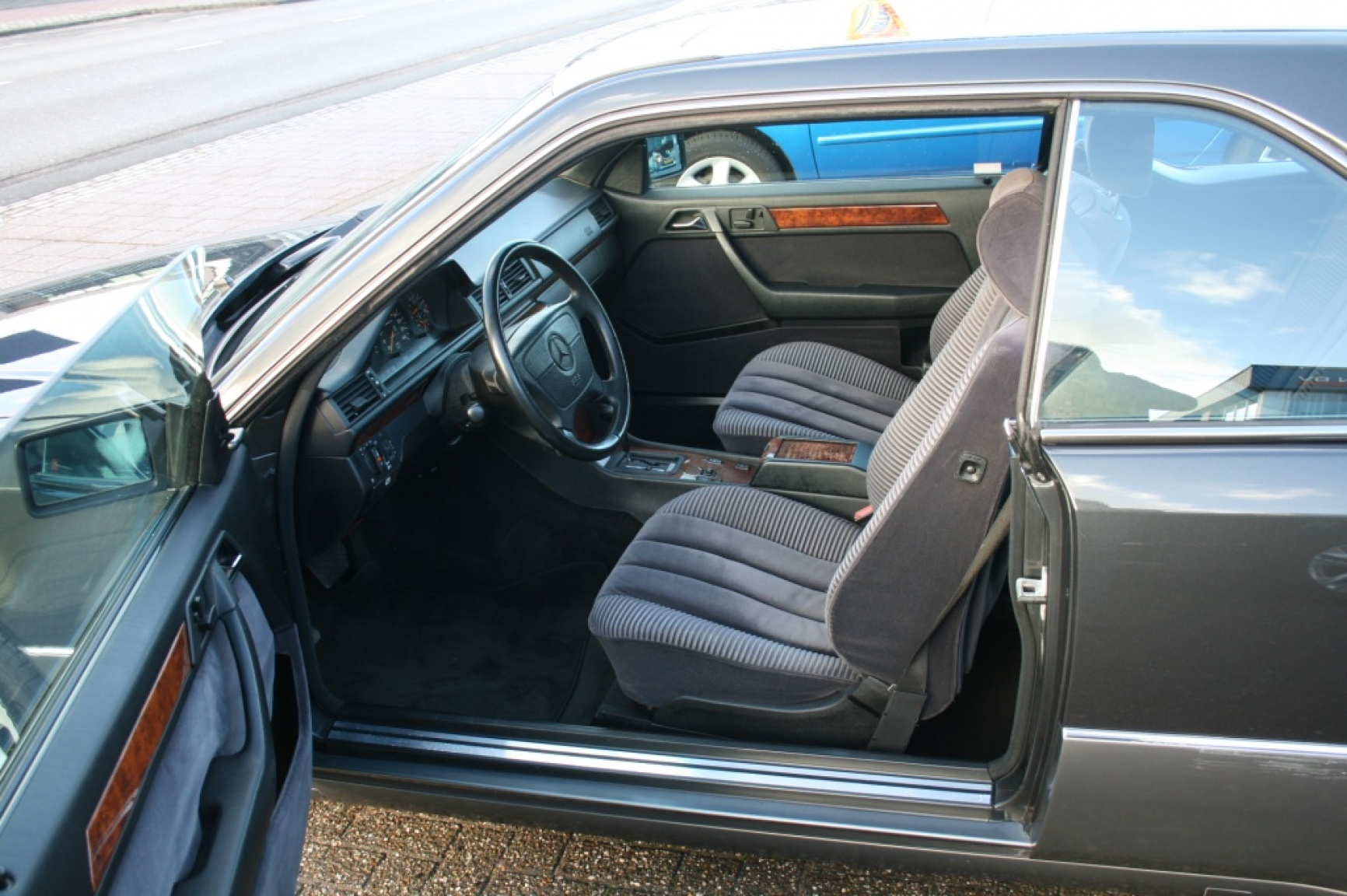 Mercedes-Benz-E-Klasse-7