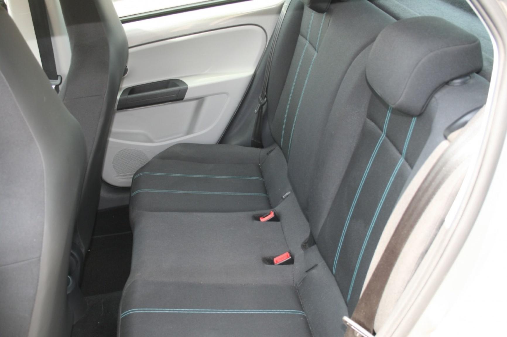 SEAT-Mii-8